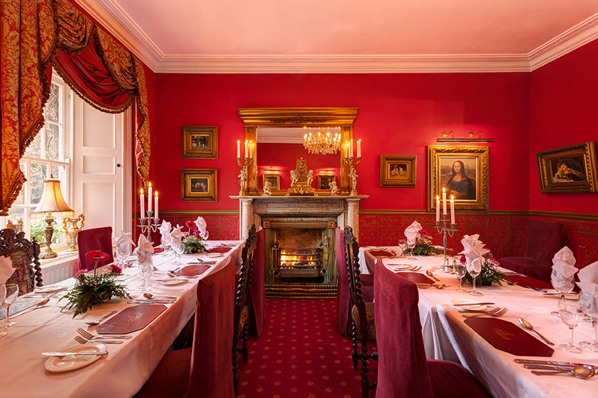 Red Room Restaurant at Clooncastle